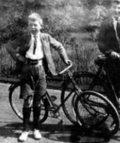Lewis Young w Bike1