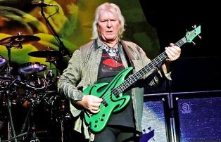 Chris Squire playing bass with Yes