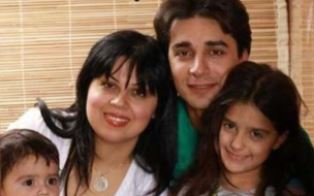 Farshid Fathi with his family use