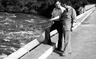 Dan Wooding and Ray Barnett at site where Christians bodies were fed to the crocodiles