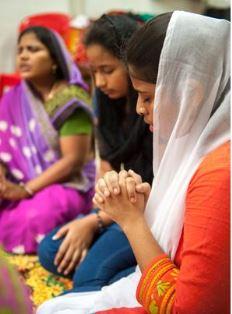 Women in prayer GFA