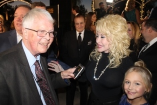 Dan Wooding with Dolly Parton at Movieguide 1