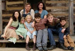 Meet Dollys TV family from COAT OF MANY COLORS