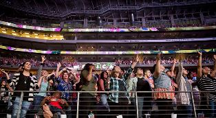 Crowds at Harvest America Dallas Morning News