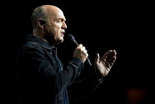Greg Laurie speaking at Harvest America Dallas Morning News