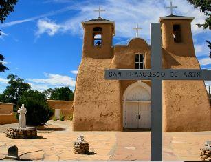 smaller St Francisco de Assisi church