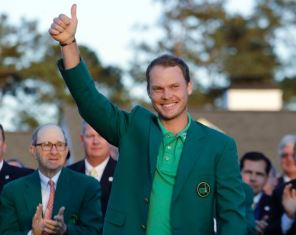 Danny Willett gives thumbs up after winning the Masters