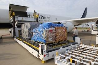 smaller Ecuador airlift