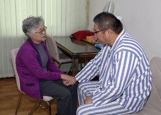 smaller Kenneth Baes mother visiting him