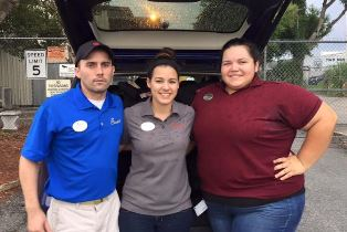 Chick Fil a volunteers in Orlando