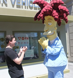 Edward meeting one of Simpsons characters