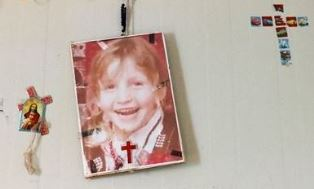 smaller Picture of missing girl to IS