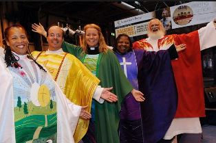 smaller Vicars on the CRE catwalk