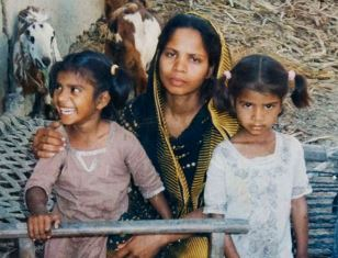 Asia Bibi with two of her daughters