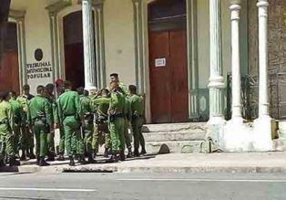 Cuban troops outside court