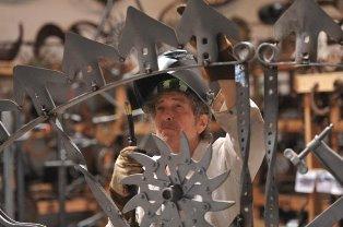 Dylan Sculpture