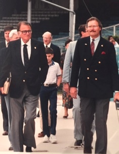 Billy Graham walks out with Dan Southern