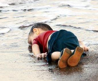 Alan Kurdi on the beach
