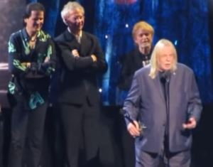 Rick Wakeman speaking at the rock and roll hall of fame