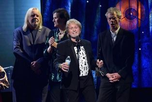 Jon Anderson speaking at r and r hall of fame