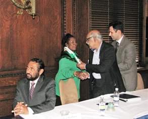Pak Bishop greets congresswoman