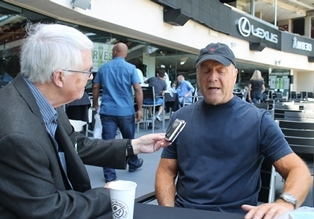 Dan Wooding interviews Greg Laurie smaller
