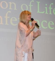 Debby Boone singing
