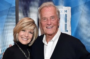 debby boone and pat boone smaller