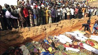 Nigerian Christians bury their dead