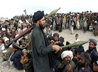 Taliban kidnap 200 travellers smaller