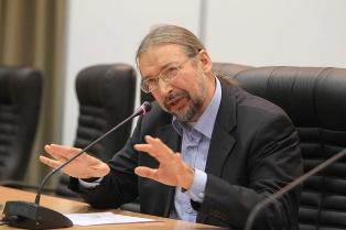 Alexander Ogorodnikov speaking