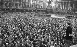 Billy Graham in Trafalgar Square London smaller