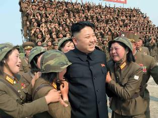 Kim Jong un with adoring women soldiers smaller