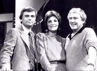 Pat Sajak Susan Stafford and Merv Griffin smaller