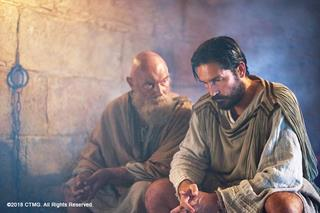 mi Jim Caviezel as Luke right in Paul The Apostle 05 11 2018