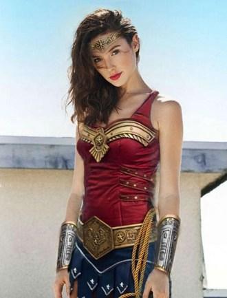 mi Gal Gadot as Wonder Woman. Celebrity Inside 04 14 2018