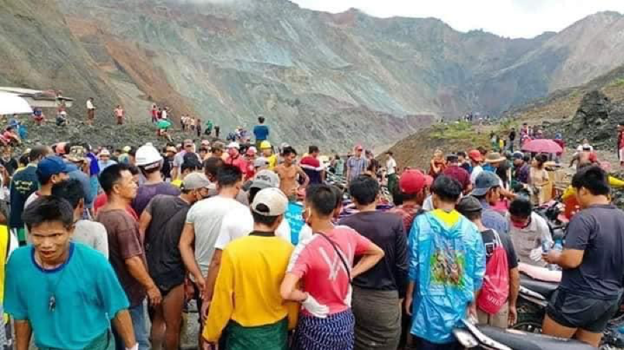 Pastor Comforts Bereaved Families After Horrific Mudslide at Jade Mining Site in Myanmar Kills